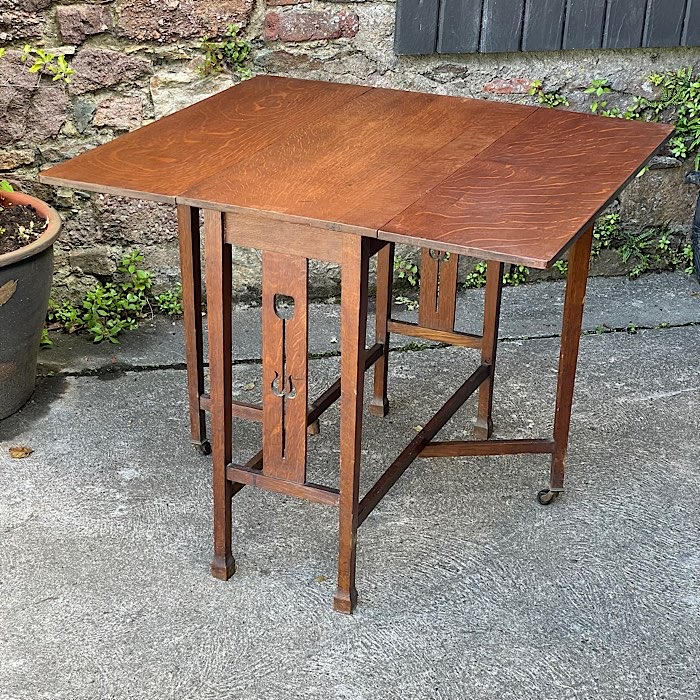 Arts And Crafts Oak Drop Leaf Table