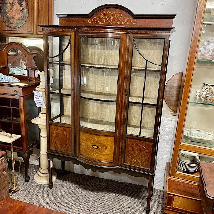 Edwardian Inlaid Mahogany Bow Front Display Cabinet