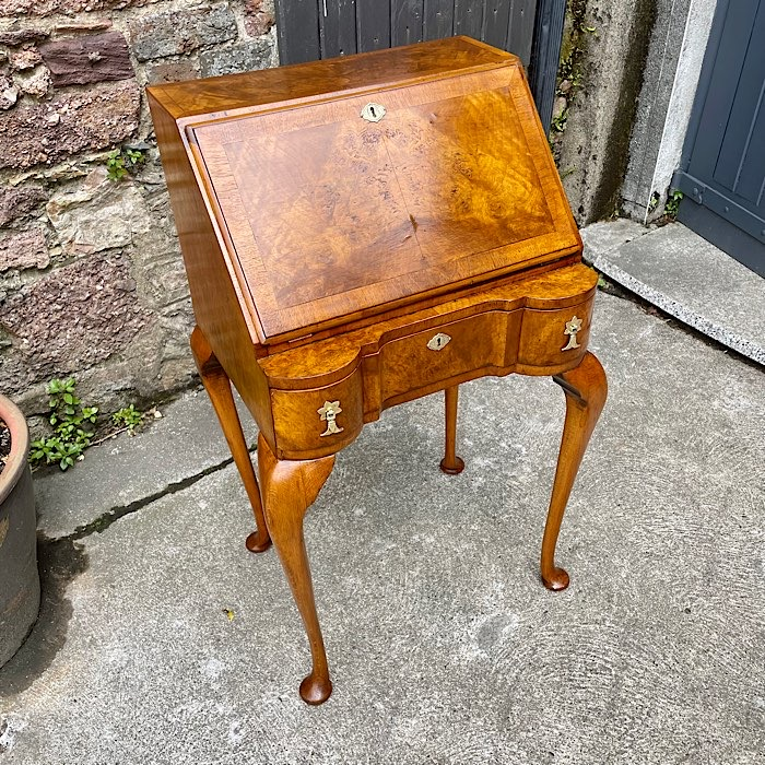 Queen Anne Style Figured Walnut Bureau De Dame