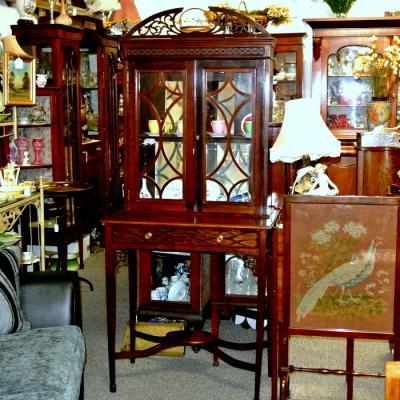 Mahogany Small Display Cabinet