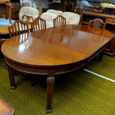 Edwardian Hepplewhite Style Extending Dining Table