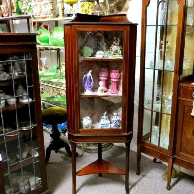 Fine mahogany corner display cabinet