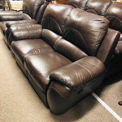 La-Z-boy Electric Reclining Two Seat Leather Sofa
