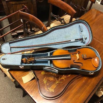Skylark Full Size Violin