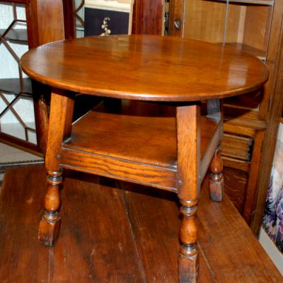 Solid Oak Small Circular Table