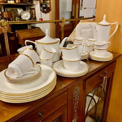 Spode Golden Eternity Set