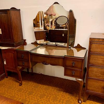 Vintage Mahogany Triple Mirror Dressing Table