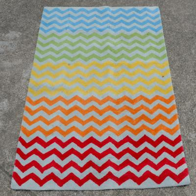 Wool rug with zig zag design
